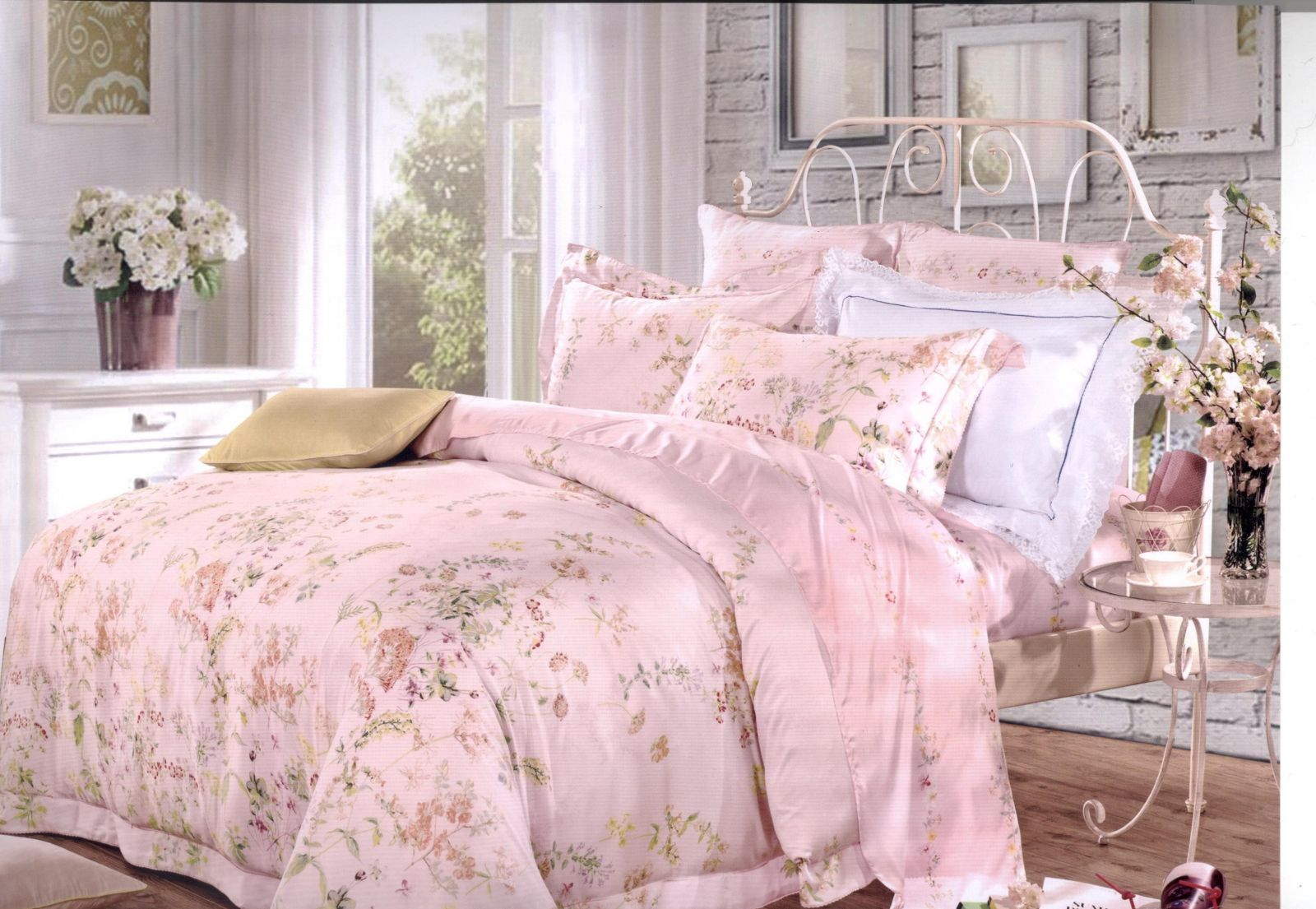 Декор и нежное постельное белье – это провансаль и французский стиль