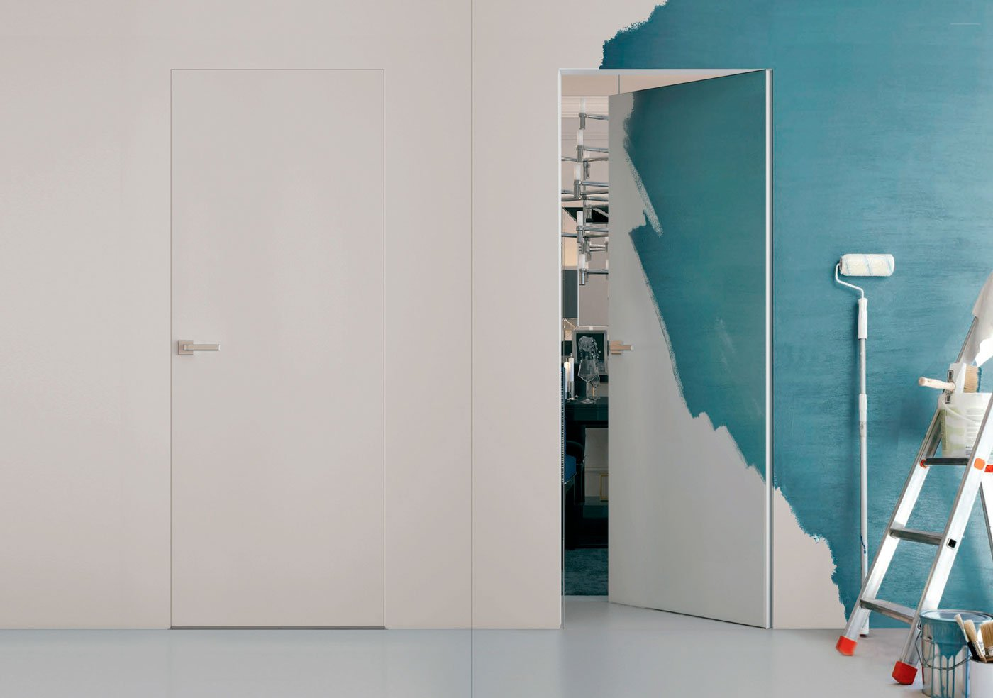 Уникальная особенность скрытых дверей — открываться как наружу так и вовнутрь.