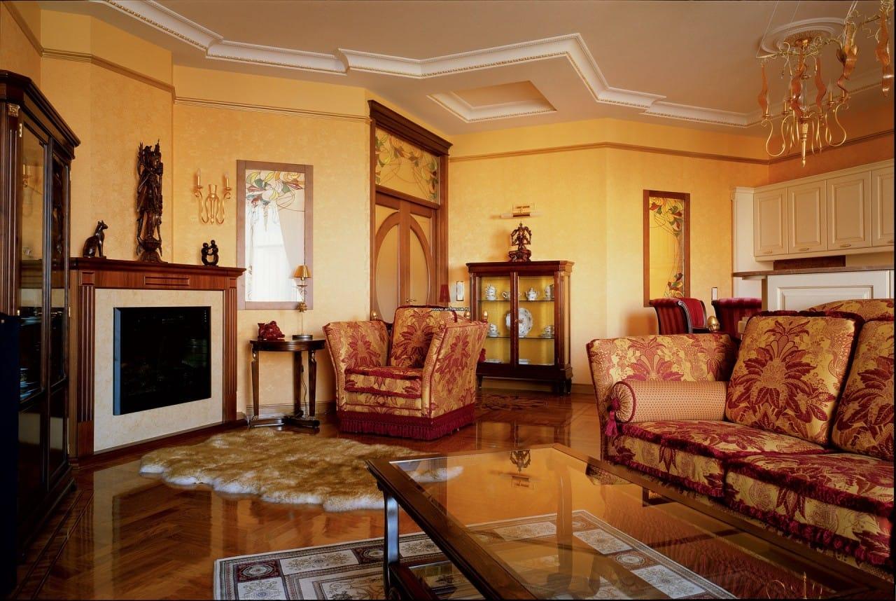 Величественный ампир идеально подходит для просторных помещений роскошных дворцов, загородных особняков и элитных современных апартаментов