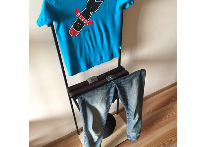 Прикроватная вешалка для одежды  7
