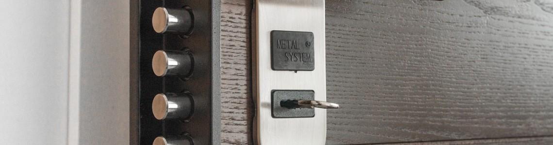 Как правильно выбрать замок для входной двери и какой замок лучше поставить на входную дверь
