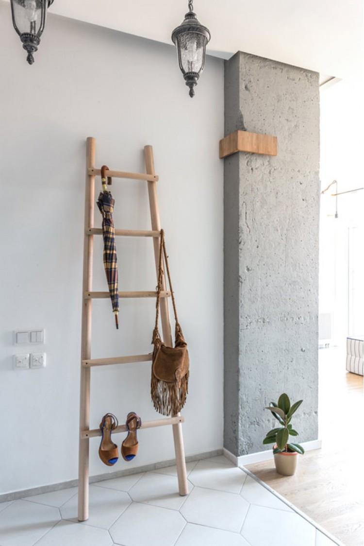 Декоративная лестница — Дизайн 1-комнатной квартиры Studio Open Space, ЖК Комфорт Таун, 40 м.кв — дизайнер Сазонова Ира