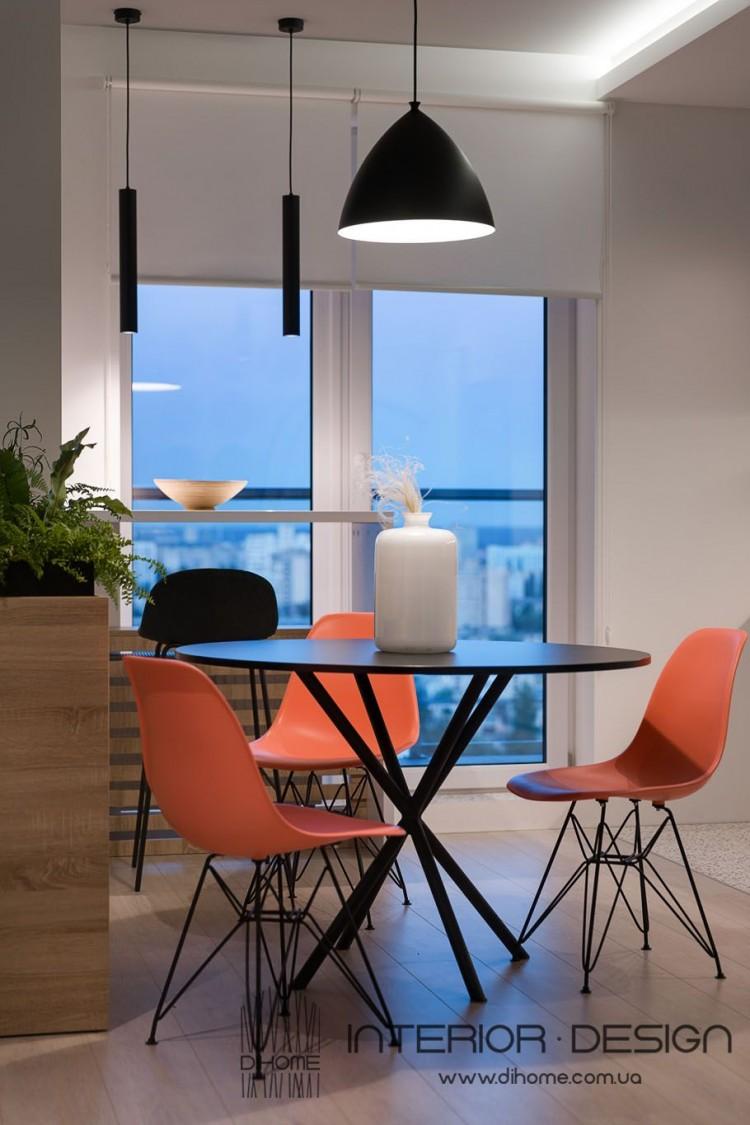 Столовая с панорамными окнами – отличное фото идеи для ремонта № 2161