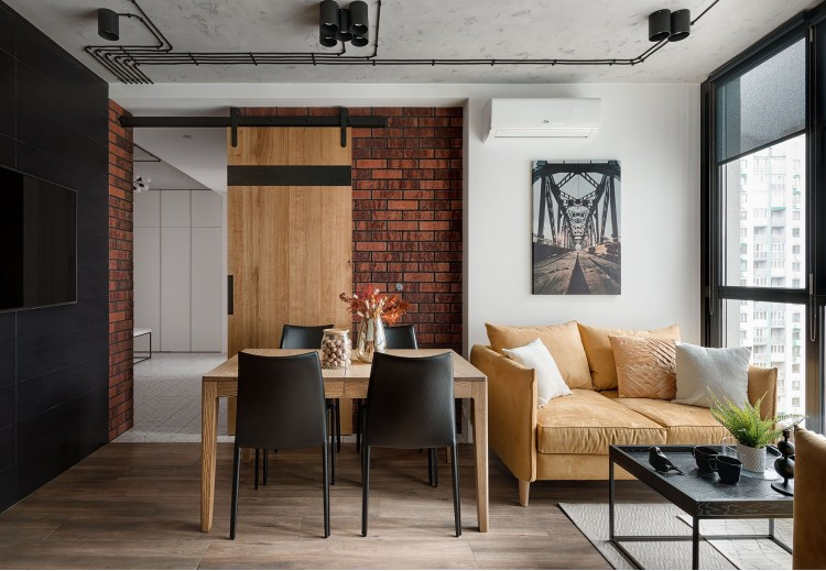 Фотография: Раздвижные двери в дизайн-проекте квартиры в стиле Лофт – URBAN LIGHT: квартира в стиле Лофт, 65 м2 – 2196