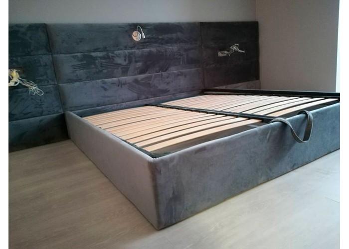 Кровать с ровными панелями  1