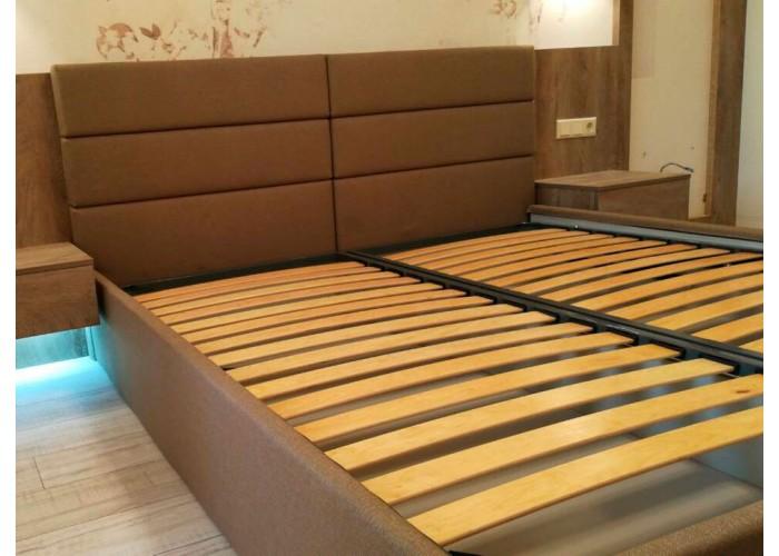 Кровать с ровными панелями  4