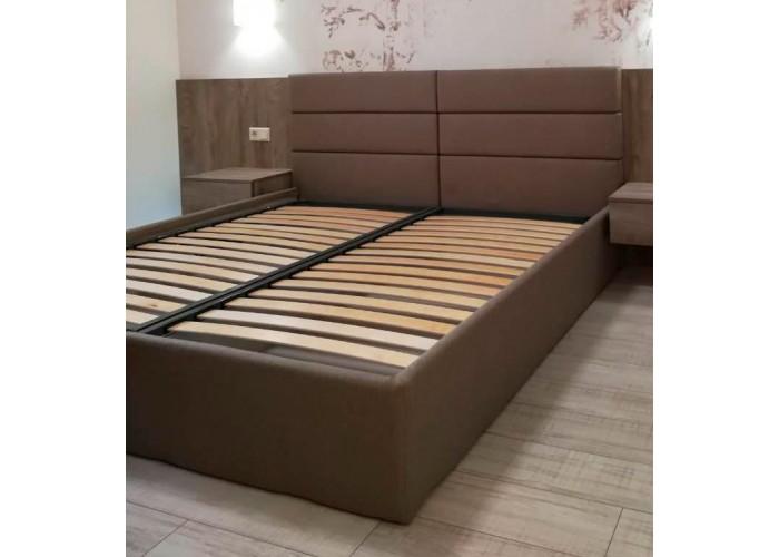 Кровать с мягкими панелями  1