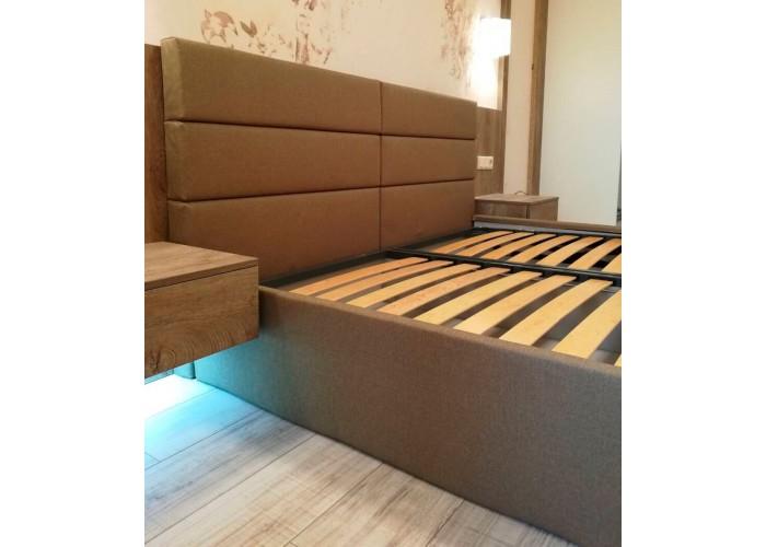 Кровать с ровными панелями  2