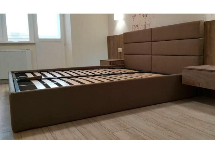 Кровать с ровными панелями  3