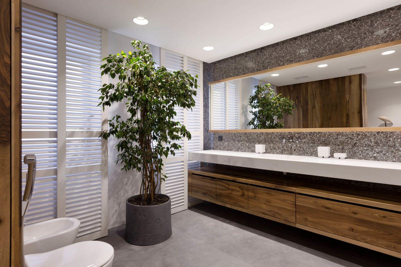 Даже для оформления санузлов апартаментов 4Levels всю мебель изготовили вручную