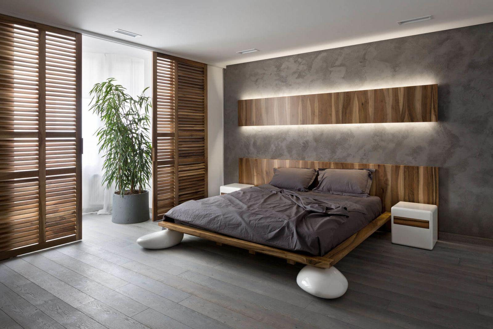 Интерьер главной спальни продолжает общую стилистику в которой выдержаны все помещения квартиры