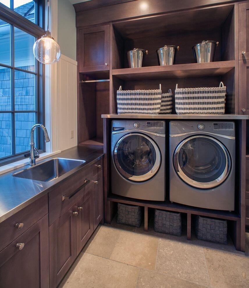 Сдержанный, волевой и элегантный подход к размещению стиральной машины.