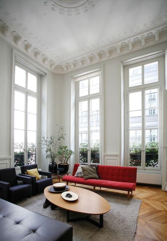 Высокое помещение – идеальный вариант для французских окон
