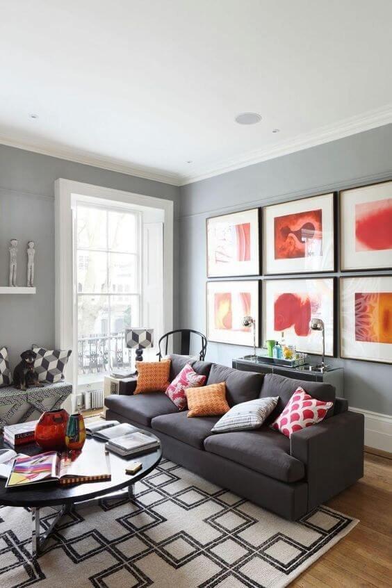 Панорамные окна раскрывают цветовую палитру интерьера