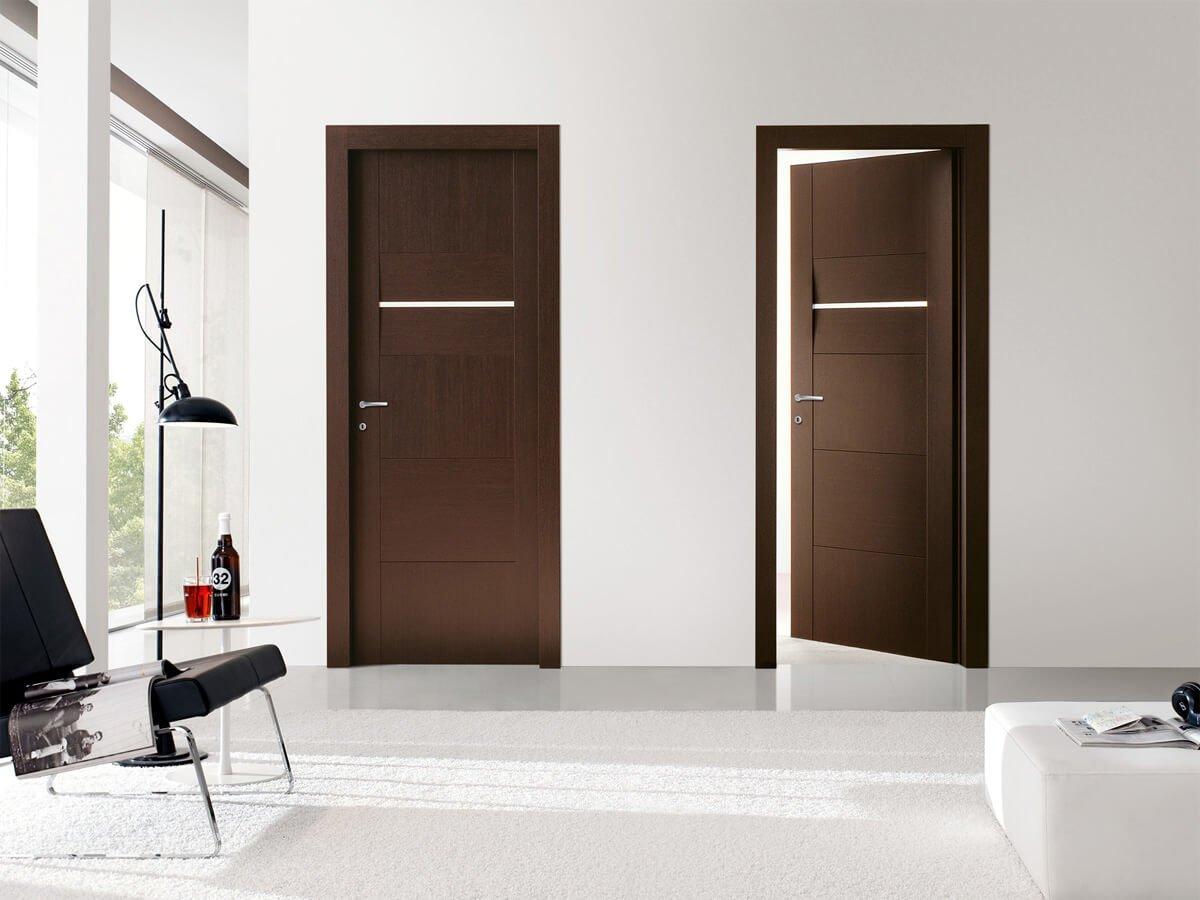 Футуристический дизайн двери венге  в светлом интерьере.