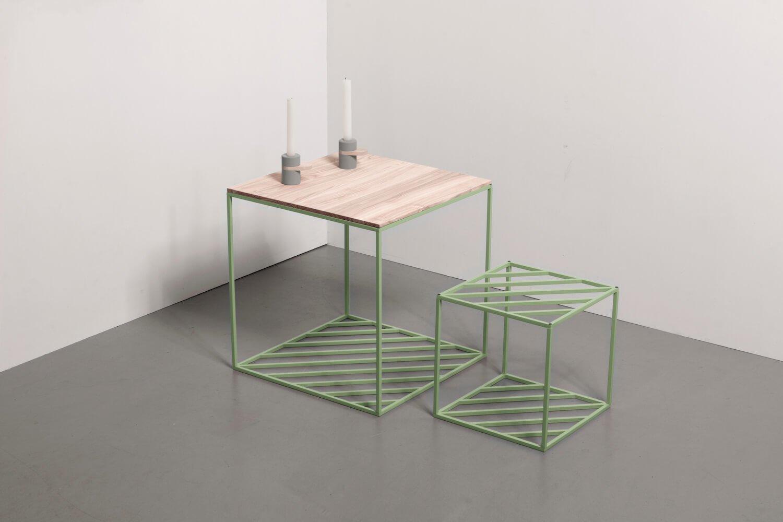 Минималистичные столы Hatch изготовлены из металла и дерева. Доступны в 6 цветах