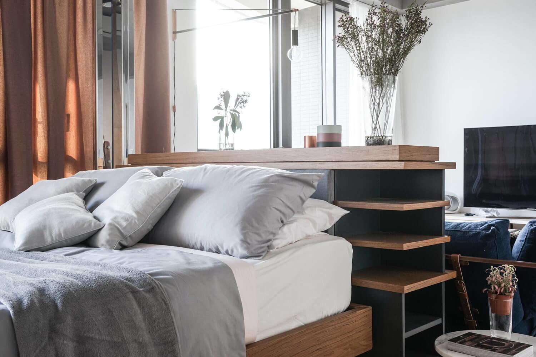 Спальное место является органическим продолжением интерьера гостиной