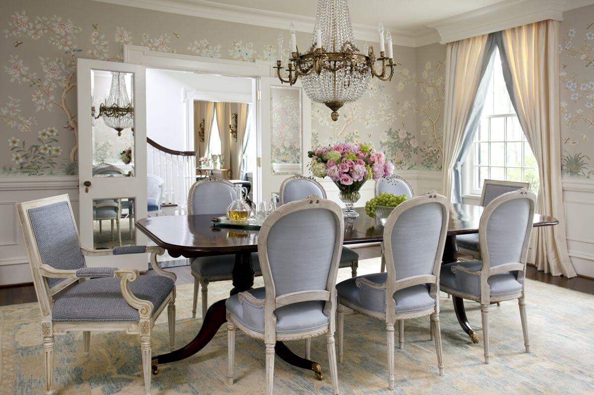 Нежные цвета и светлое дерево отлично подходят для декора и мебели в современнойконцепции английского стиля
