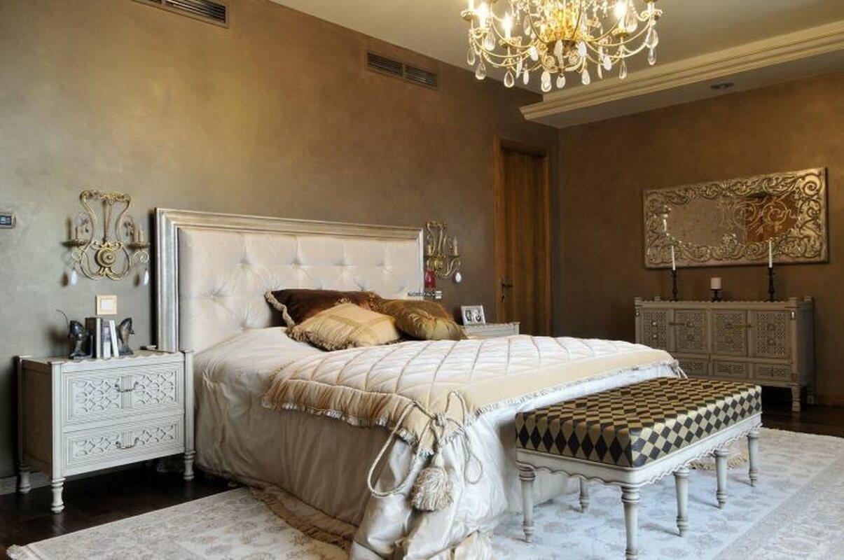 Аристократичная романтика и королевский уют – главное кредо в оформлениианглийской спальни