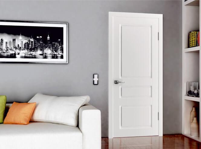 Фото белых дверей в интерьере с синими стенами