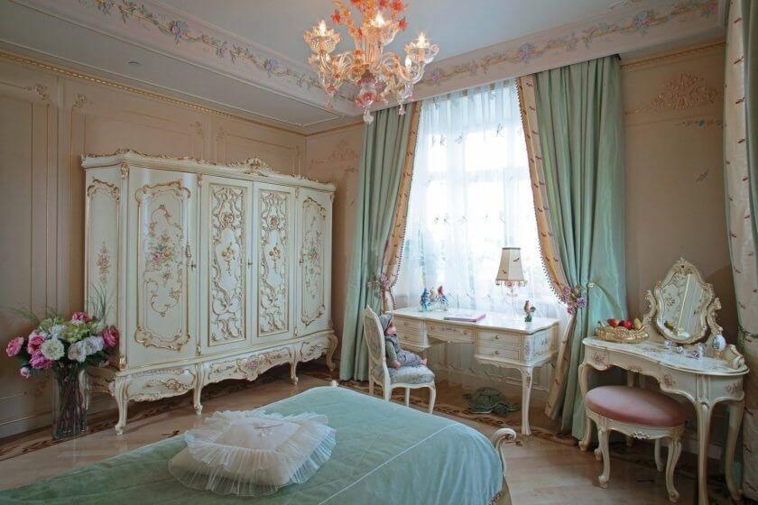 Бежевая спальня в стиле винтаж подойдет для молодой девушки или романтической семейной пары – она станет причалом домашнего уюта и отдыха