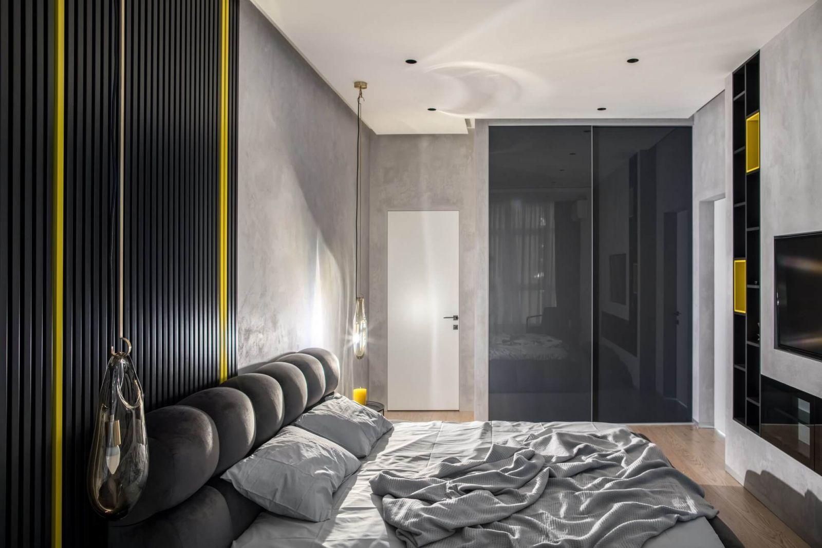 Несмотря на небольшую площадь помещение вместило все необходимые элементы для комфорта владельцев