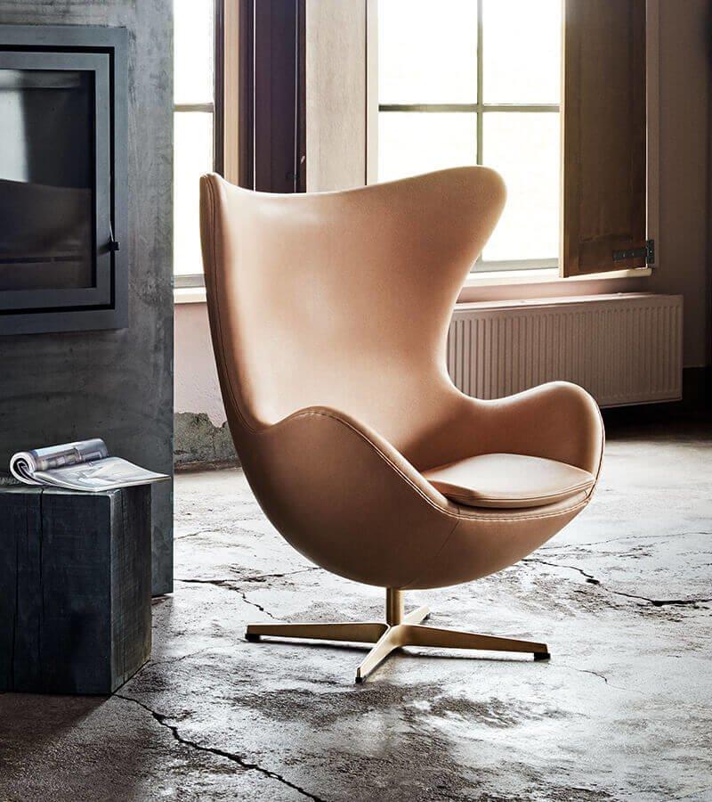 Новый цвет в старой форме – незабываемые кресла Egg