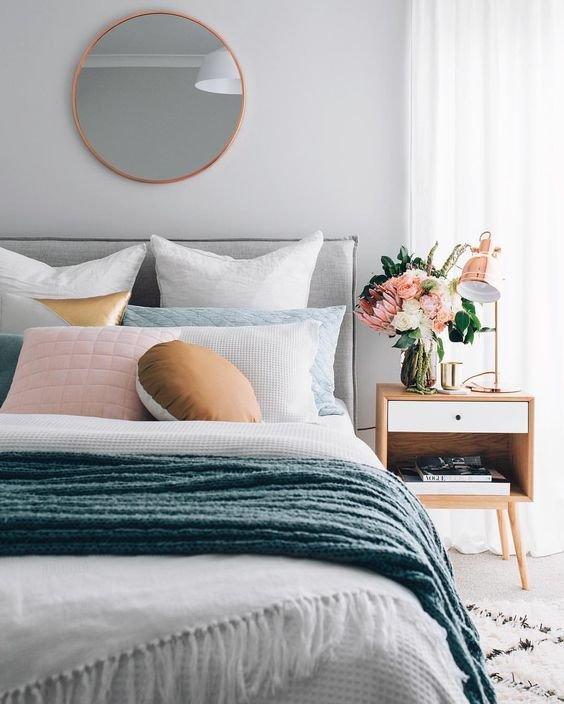 Фото круглые зеркала в спальне
