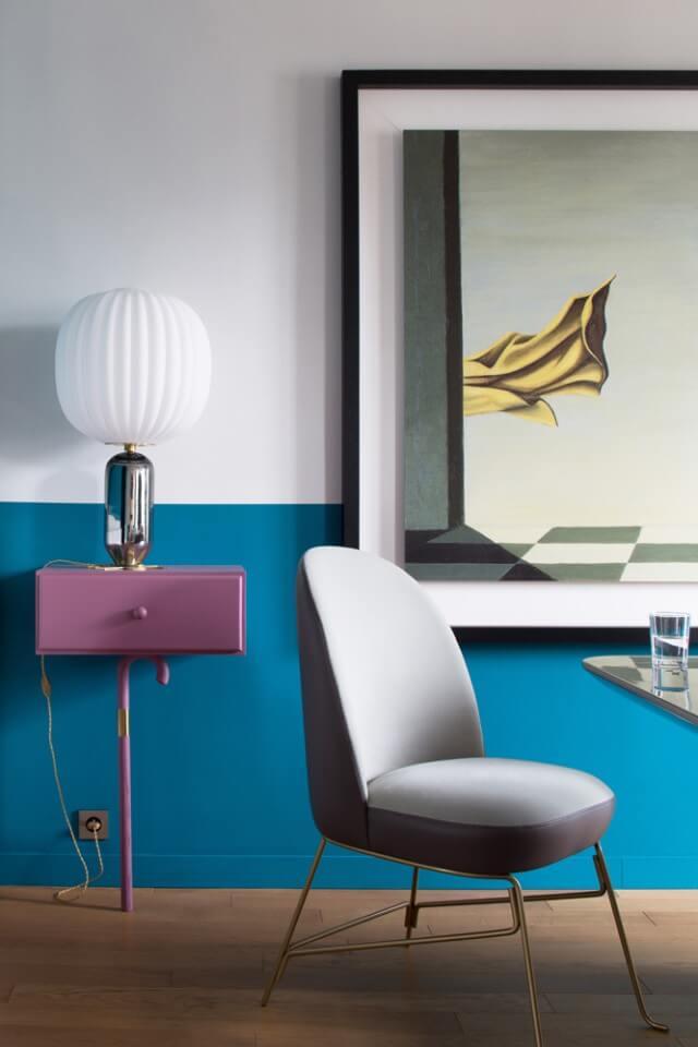 Разграничение решено с помощью мебели, освещения, предметовдекора.