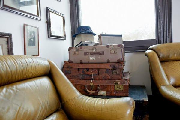 Винтажные чемоданы как декор и место для хранения