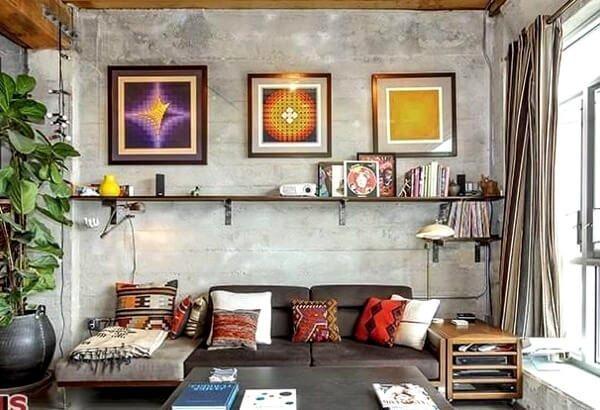 Яркие изображения или картины на стенах признак хипстера