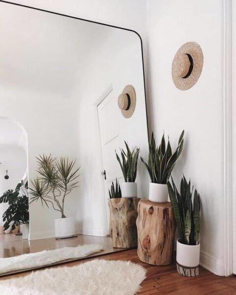 Зеркала - это отличный способ расширить пространство и добавить стилистических акцентов.