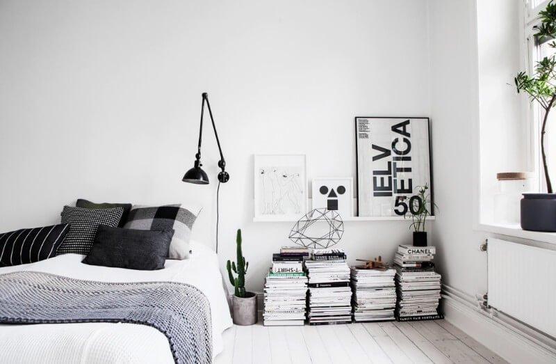 Минимализм в сочетании с личными деталями –– главная тенденция интерьеров спальни 2019.