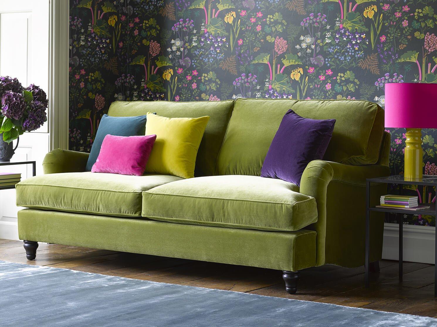 Для максимально эффективного использования небольшого пространства сделайте выбор в пользу диван-кровати или диван со встроенным местом для хранения.