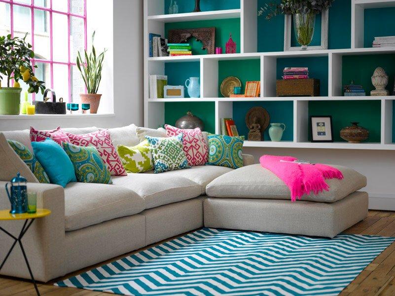 Цель использования может определить стилистику, спектр материалов и типологию диванов, которые помогут с выбором.