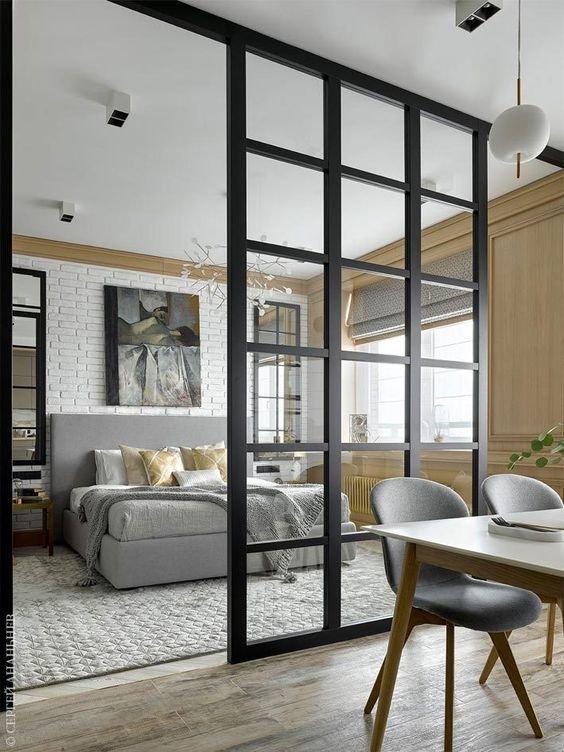 Складная дверь при необходимости превратит одну комнату - в две!