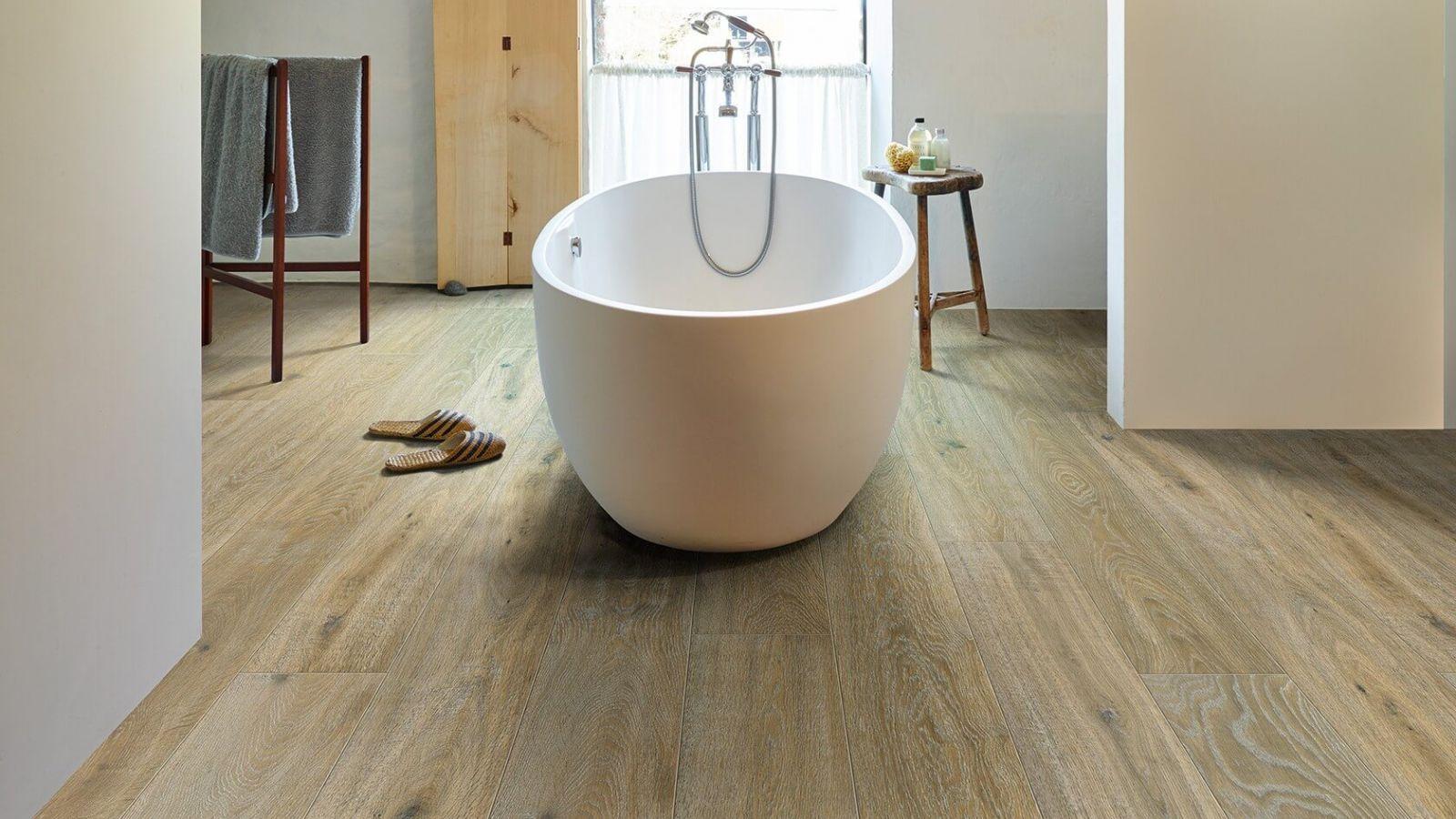 Ламинат в ванной комнате