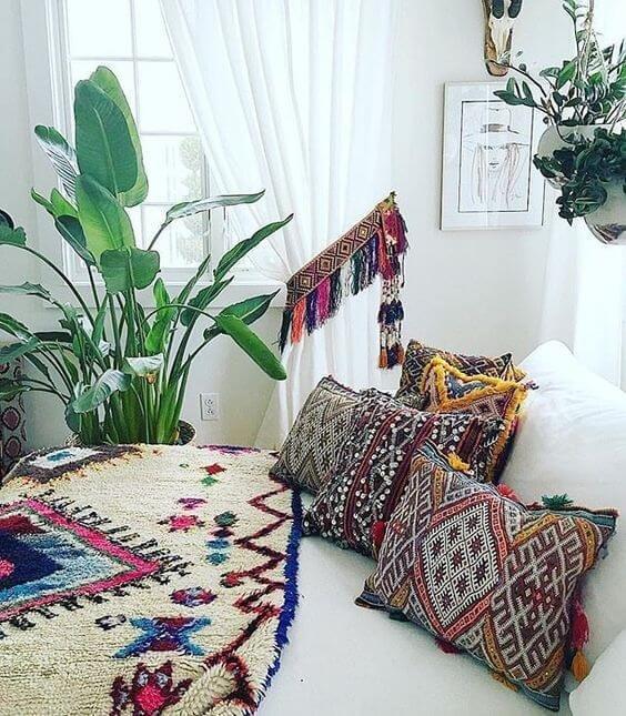 Аутентичным текстиль играет роль доминирующего акцента в концепции общего дизайна.