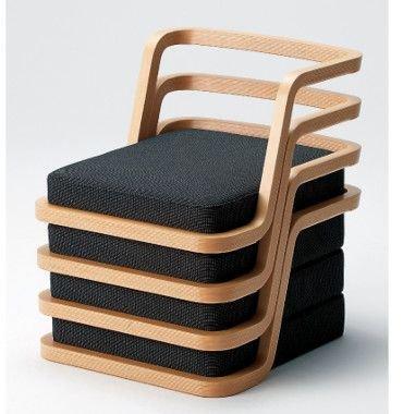 «Безногие» стулья – это аутентичный, нетривиальный и стильный элемент японского интерьера.