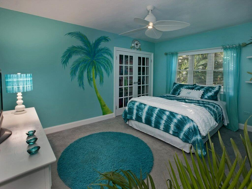 Если вы хотите добавить яркости и живости в спокойный морской стиль, оформите его в духе жарких тропиков