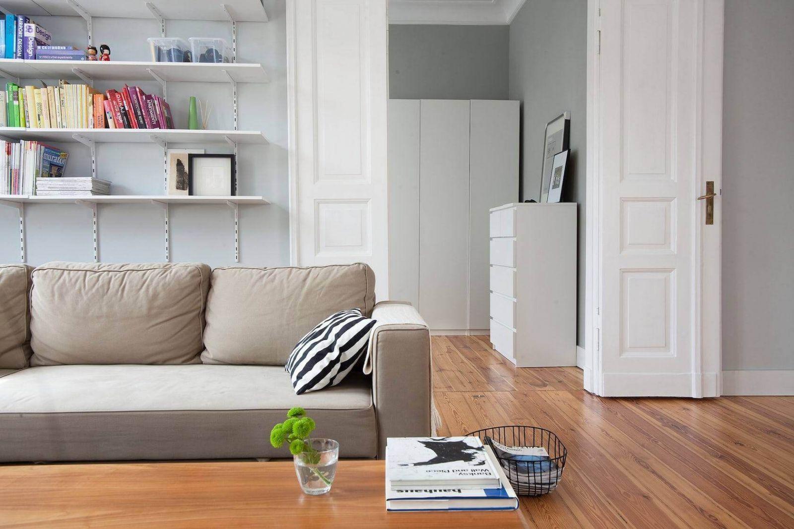 Двустворчатые двери - лучший вариант для широких дверных проемов.