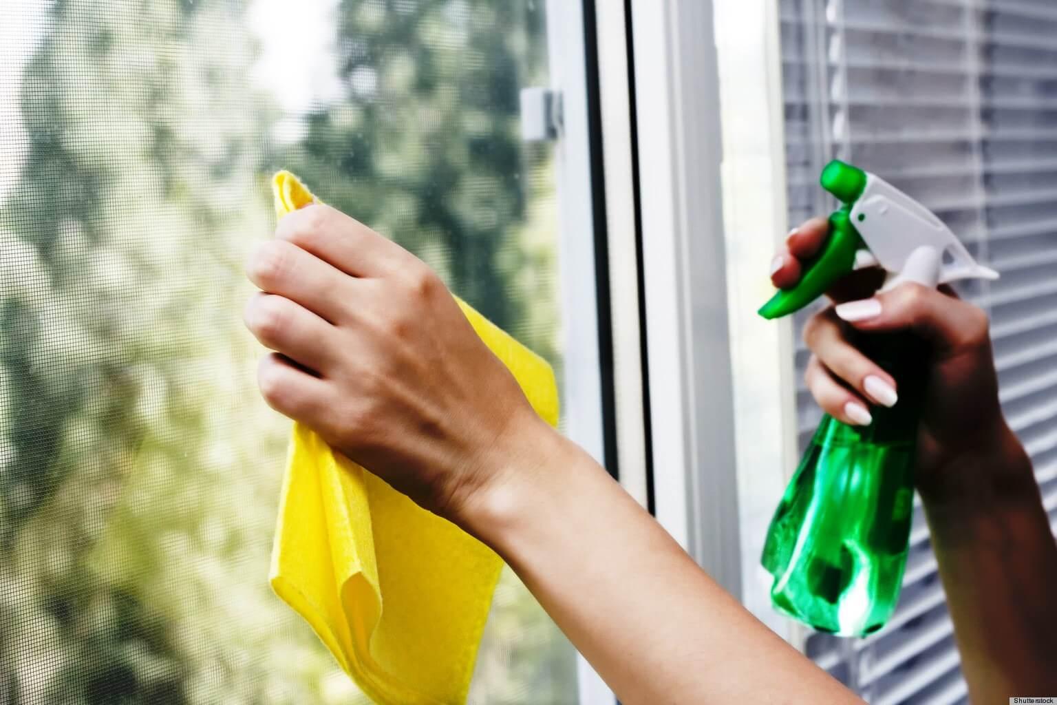 Средства по уходу за окнами можно приобрести в специализированных магазинах.