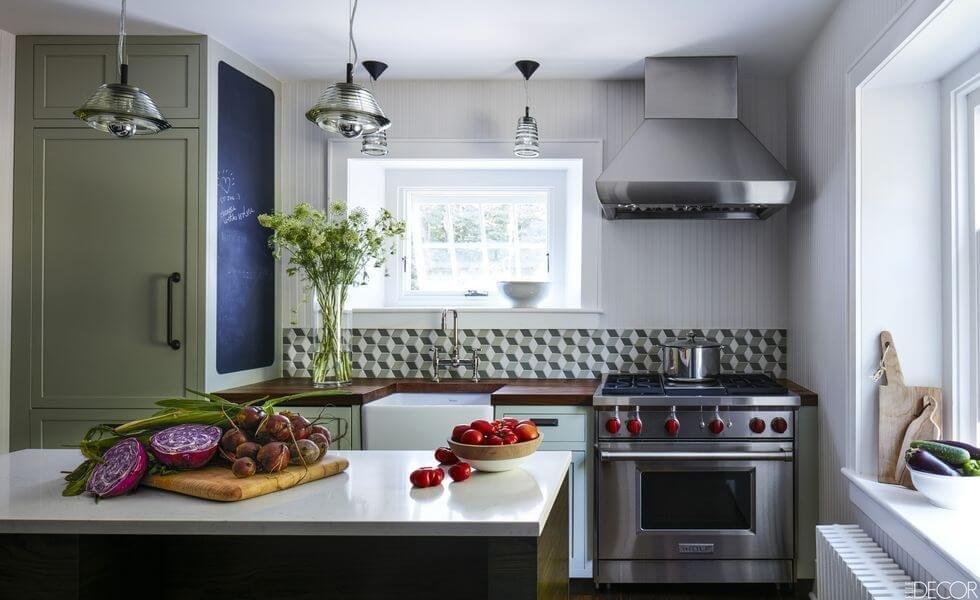 Диммеры позволяют приглушить свет на кухне для более романтической атмосферы или сделать ярче для полноценного освещения рабочей области.