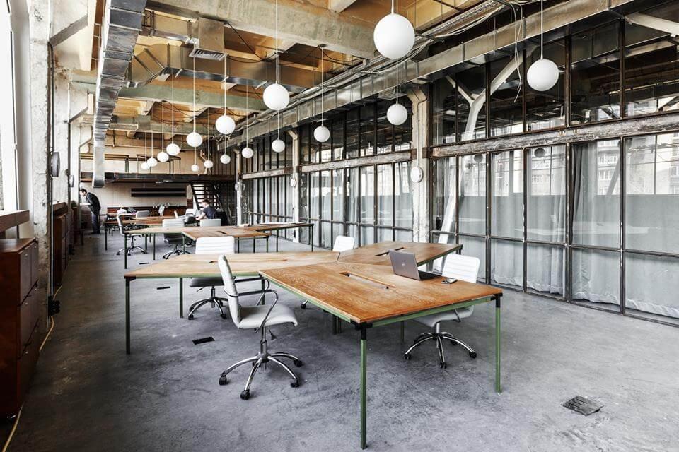 Оборудованные рабочие места превратили завод в желаемое место работы для творческих людей
