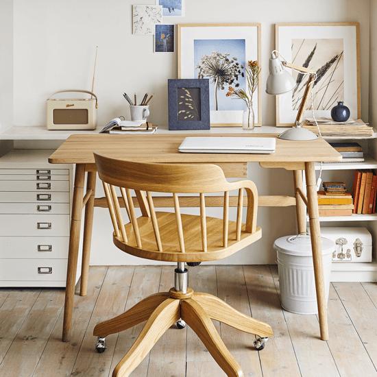 Комфорт и практичность - это основа построения домашнего офиса.