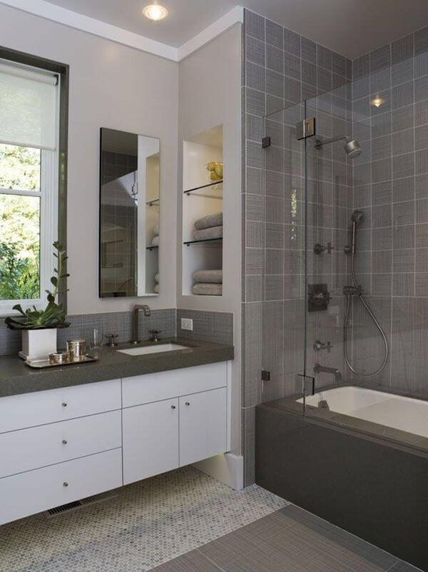 Серый –– главный цвет для ванных комнат.