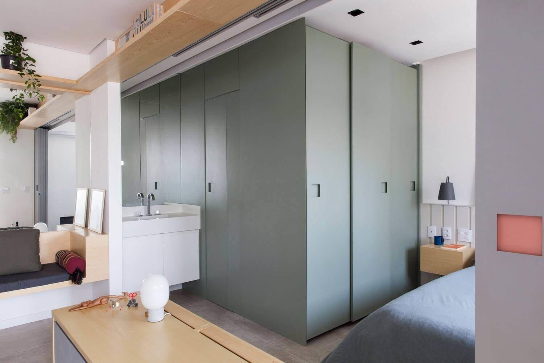 В приватной зоне, помимо спального места, находится санузел и небольшая гардеробная