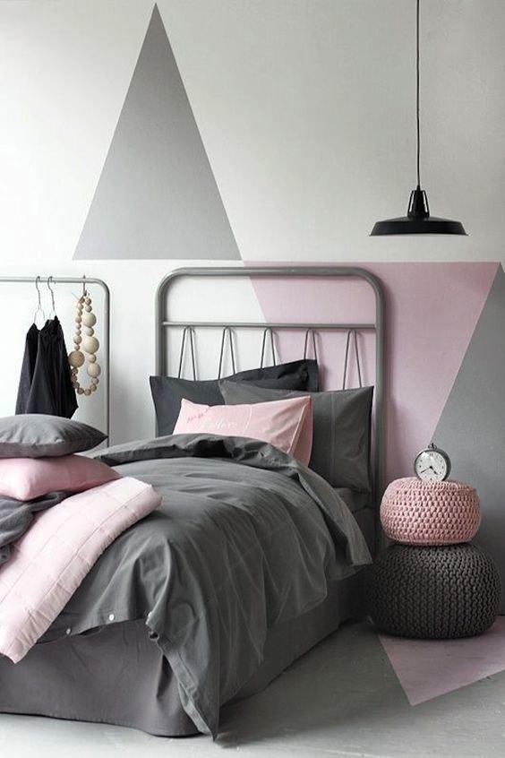 """Розовая спальня становить новым интерьерным трендом 2019 года, выходя за рамки """"детского"""" дизайна."""