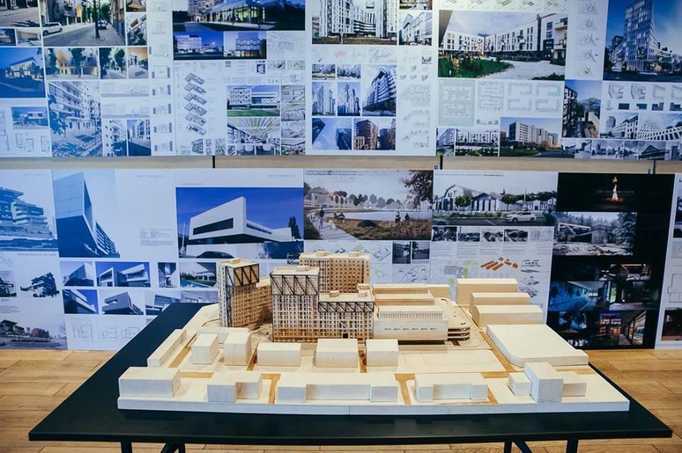 Фото макетов архитектурных проектов, собранных вручную из бумаги, дерева и спичечных коробков