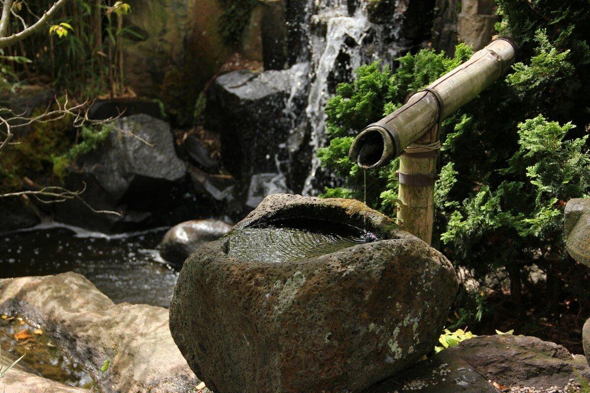 Жить необходимо в настоящем времени – вся философия японского сада олицетворяет эту истину